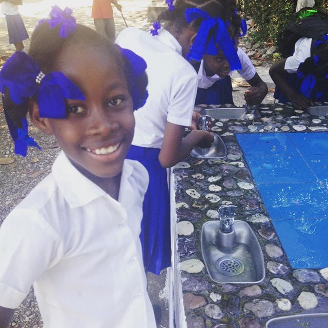 All smiles at the hope for haiti sponsored water fountain at this school! #haiti #hopeforhaiti #clean #water