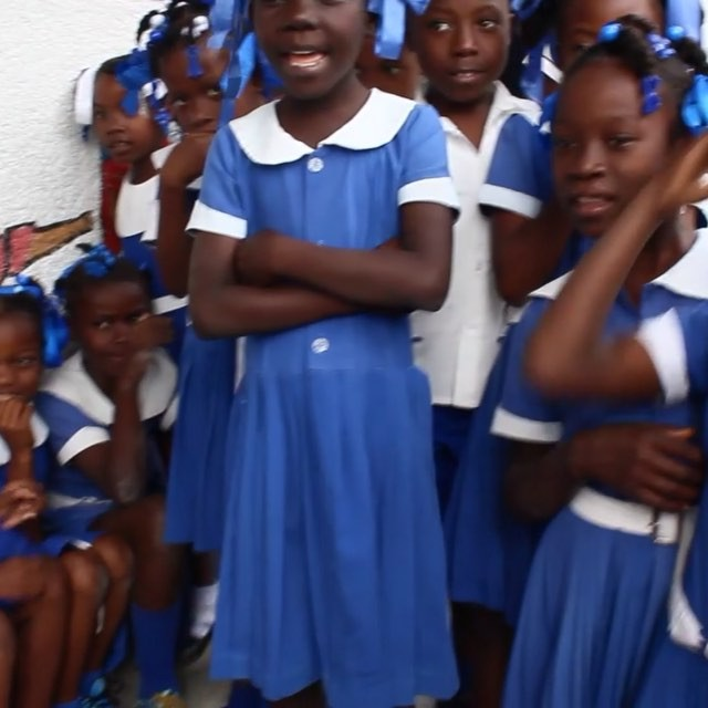 Head & shoulders, always a classic. sung here in #french, students start learning their second language at school. and from what we've seen, most continue to speak creole at home wth their friends and families. #haiti #hopeforhaiti #singing #talented #bilingual
