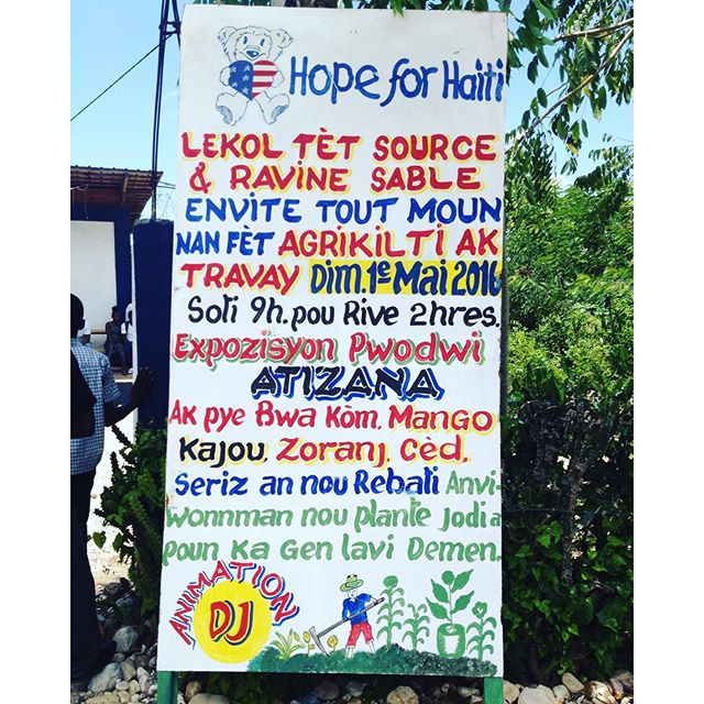 Happy may 1st! today we are out in the community encouraging haitians to take care of their environment, plant trees, and hope for a better tomorrow! #haiti #trees #replanthaiti