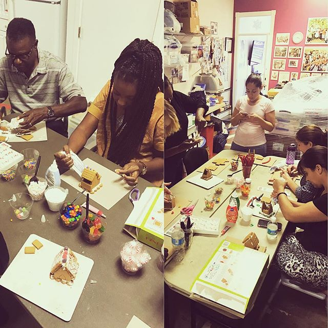 Our #haiti and #naples team get into the holiday spirit with some #gingerbreadhouse making! #bonbagay #teamhope